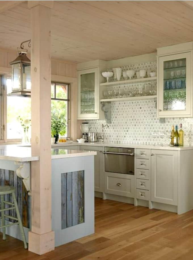 Iconic Farmhouse Cottage Living - Sarah Richardson Style | Worthing ...