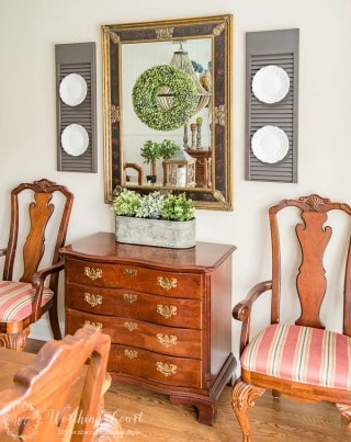 Combining farmhouse touches with traditional dining room furniture