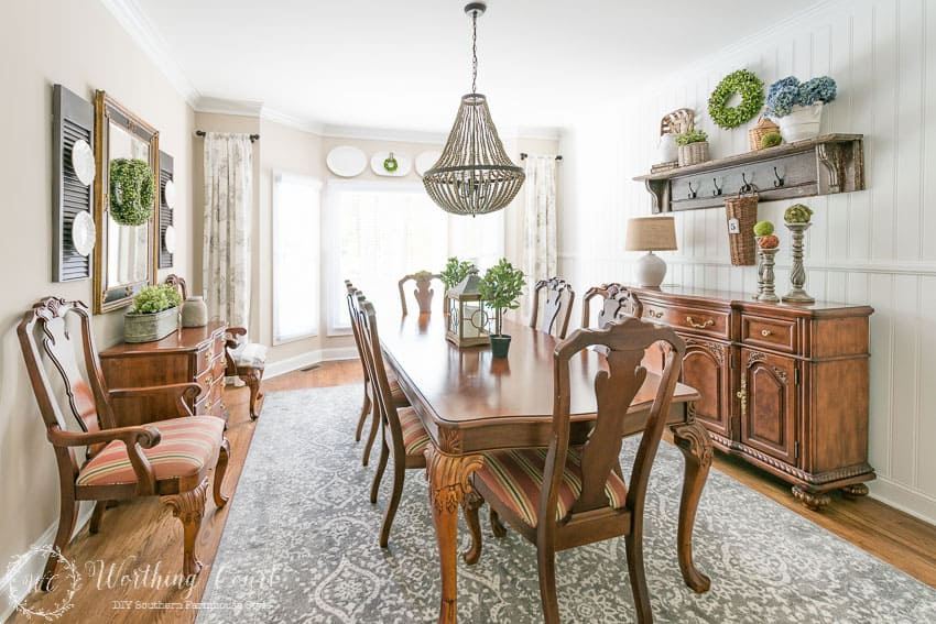 A new rug that has a vintage feel is the perfect addition to my in-progress dining room makeover. Link to the rug is in the blog post.