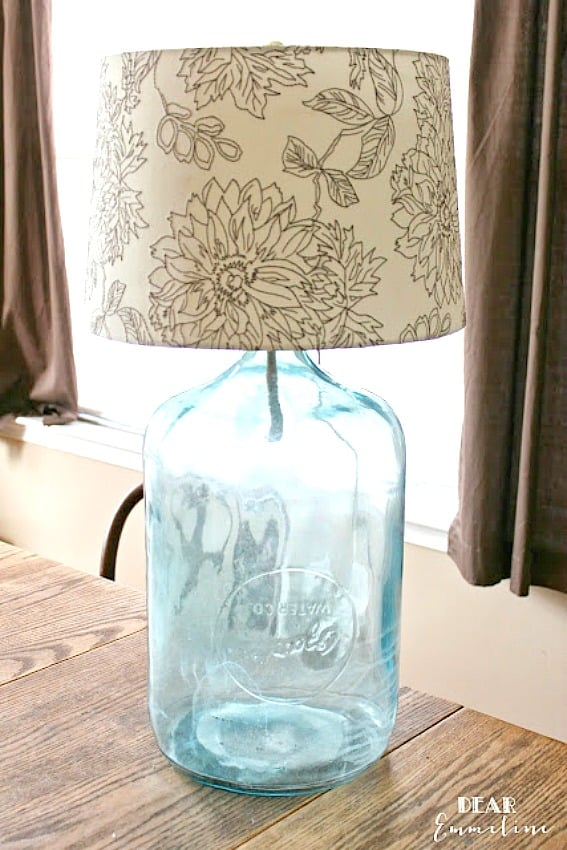 Easy as 1-2-3. DIY lamp from a glass jug.
