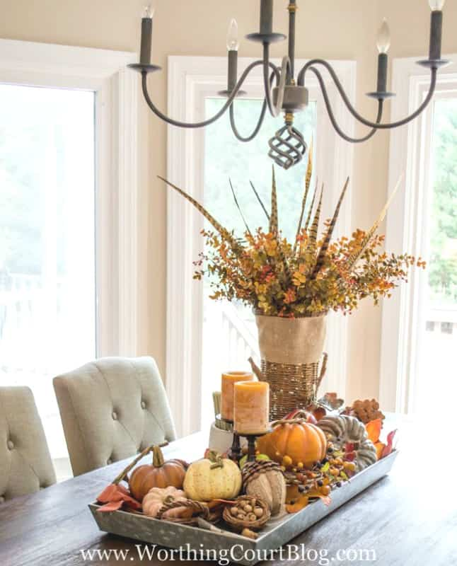 When figuring out how to make a centerpiece, consider adding a statement piece an unexpected place. #falldecor #tips #centerpiece #howto || Worthing Court