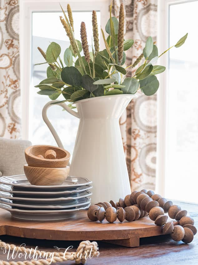 Fast and easy late summer to early fall farmhouse centerpiece || Worthing Court Blog