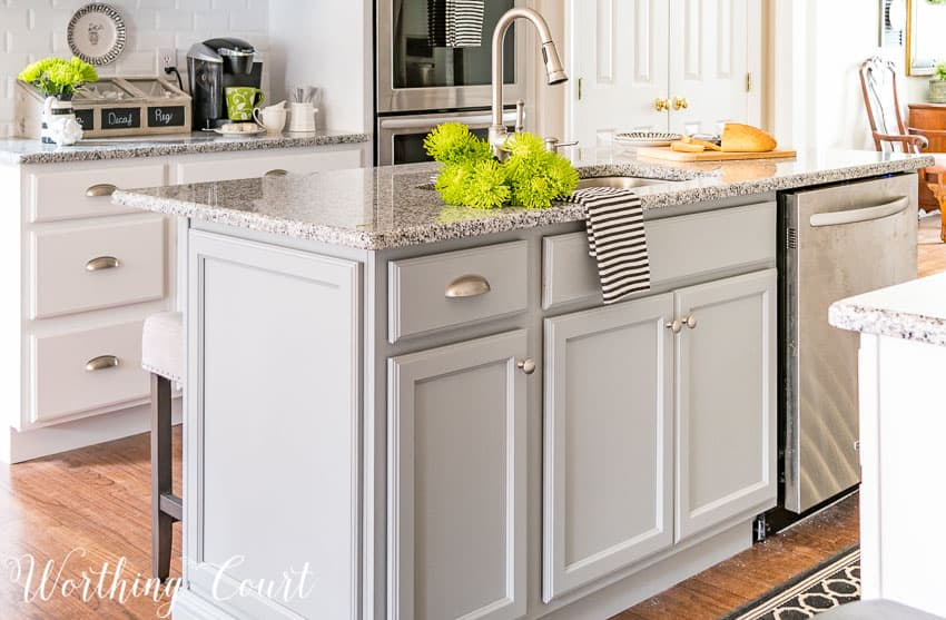 Sink and dishwasher in the kitchen island