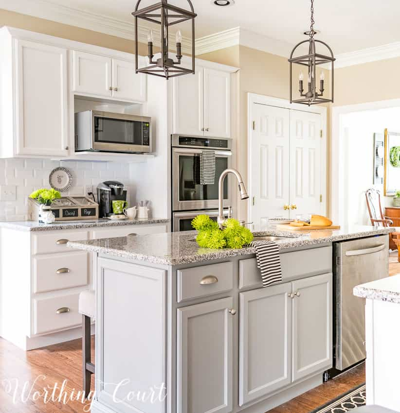 White farmhouse kitchen remodel