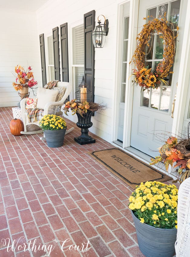 Farmhouse fall front porch || Worthing Court
