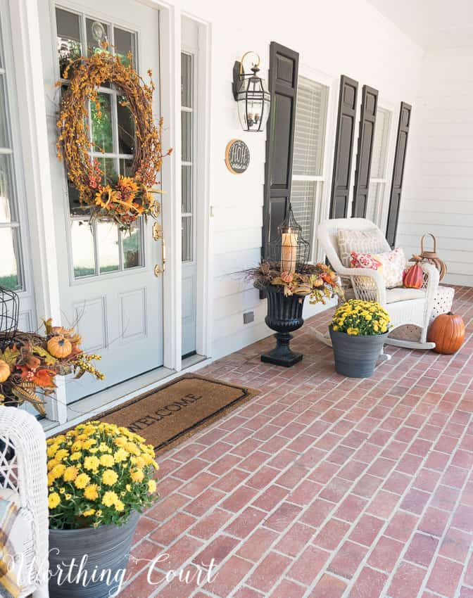 Farmhouse style fall front porch || Worthing Court