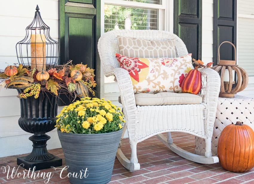 Farmhouse style fall porch vignette || Worthing Court