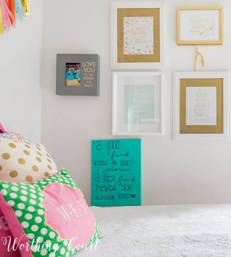 Gallery wall in a teenage girl's bedroom || Worthing Court