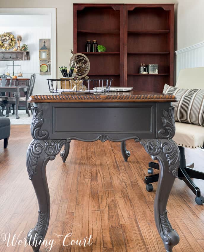 Office desk with painted legs || Worthing Court