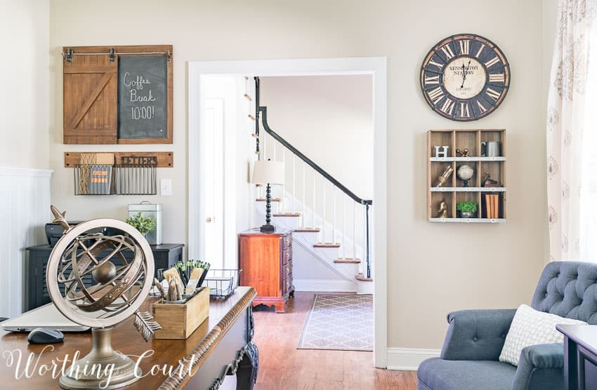 Rustic industrial office wall decor || Worthing Court