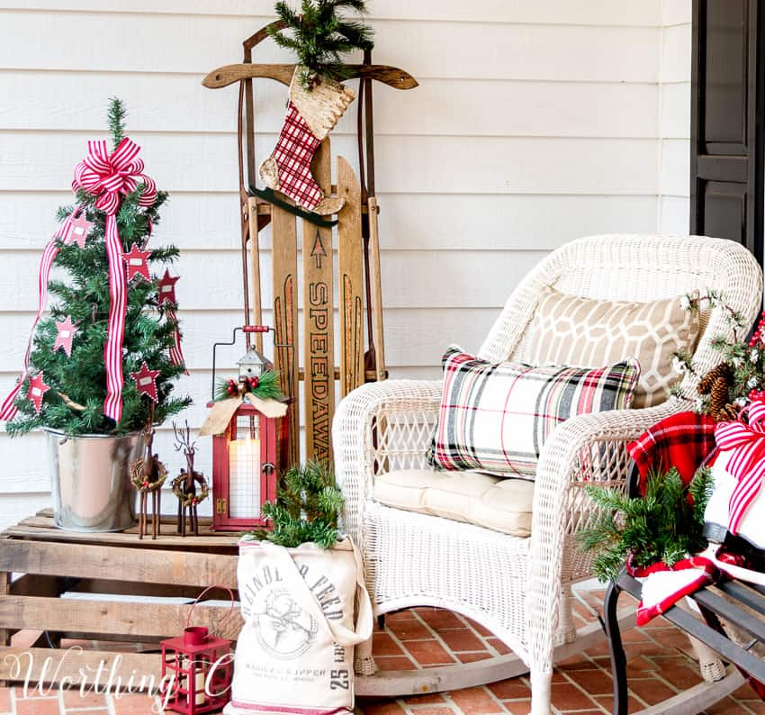 Farmhouse Christmas porch || Worthing Court