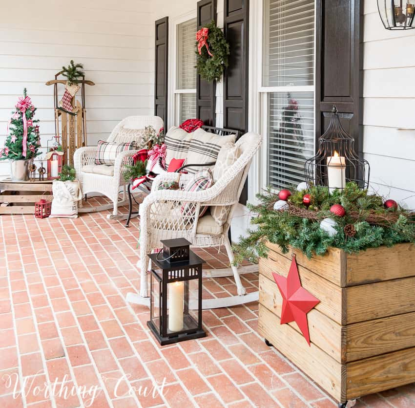 Cozy Christmas front porch || Worthing Court