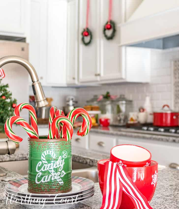 Christmas candy cane vignette || Worthing Court