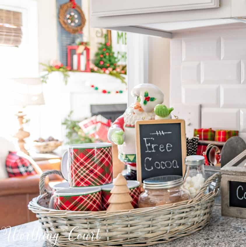 Christmas hot cocoa bar vignette || Worthing Court