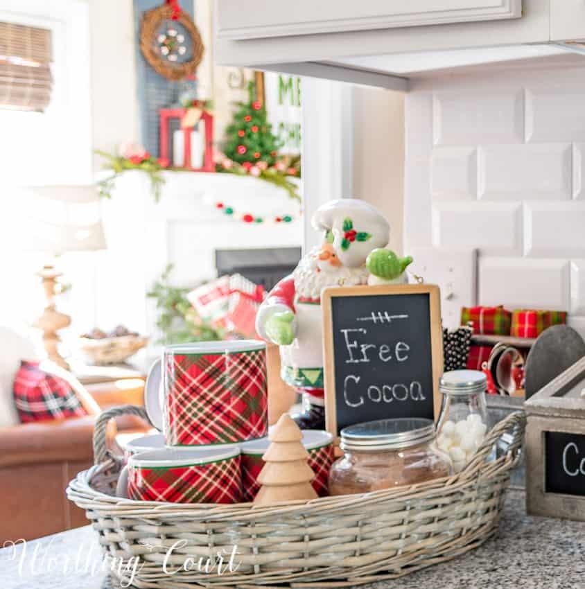 Christmas hot cocoa bar vignette || Worthing Court