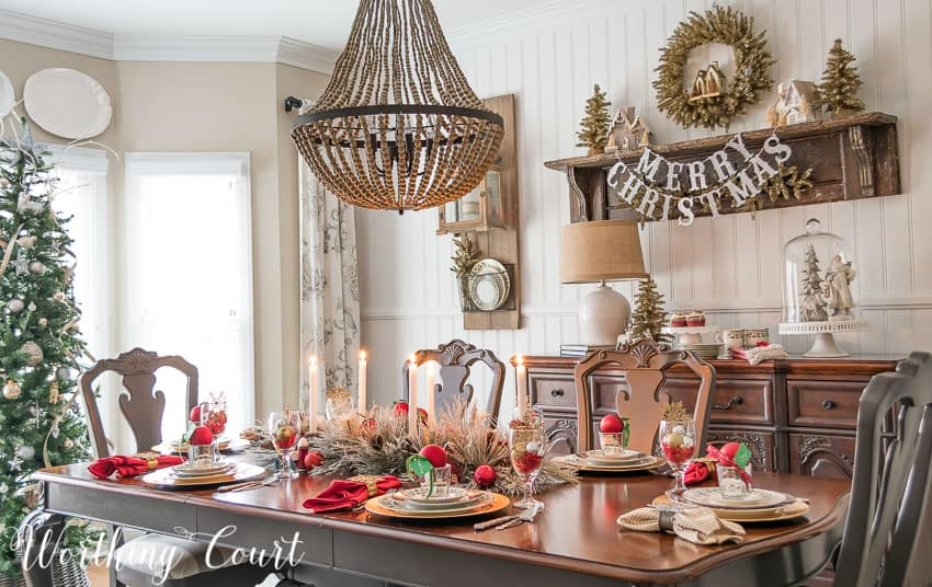 Christmas dinner dining room tablescape || Worthing Court