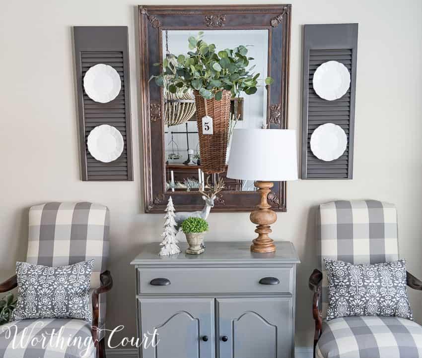 Dining room winter vignette || Worthing Court