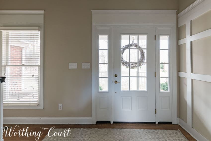 Farmhouse Style Makeover Plans For A Suburban Foyer || Worthing Court