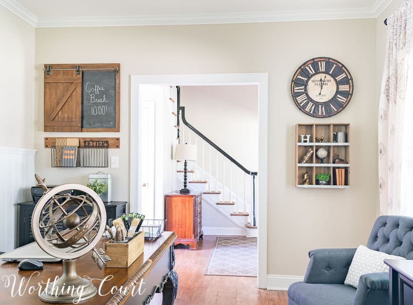 Rustic industrial wall decor for a farmhouse style home office || Worthing Court