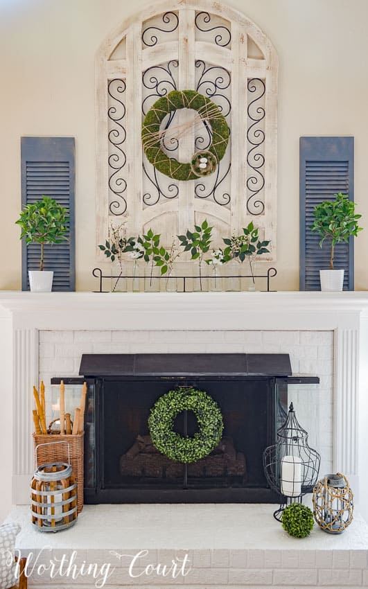 An easy farmhouse style spring fireplace || Worthing Court