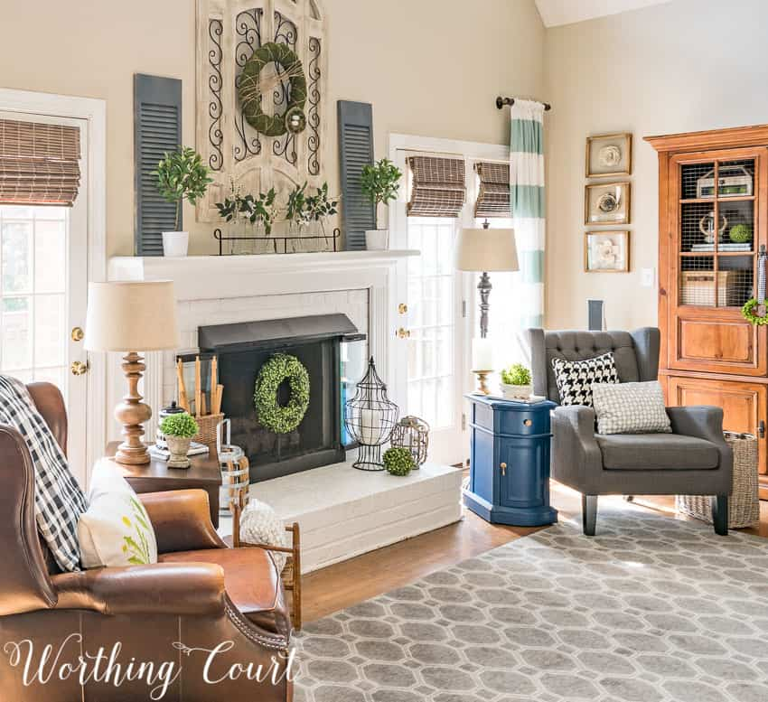 An easy farmhouse style spring mantel and hearth || Worthing Court
