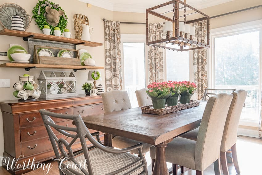 Farmhouse style breakfast area decorated for spring    Worthing Court