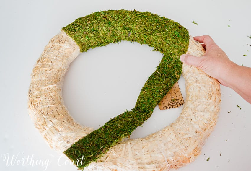 How To Make A Moss Covered Wreath || Worthing Court