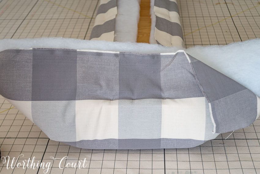 How To Build This Easy Farmhouse Upholstered Bench