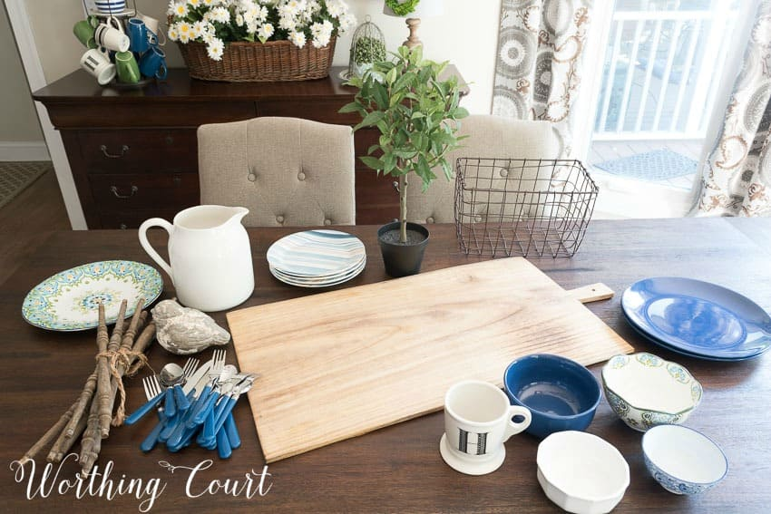 All of the types of items you need to put together a farmhouse style summer centerpiece || Worthing Court