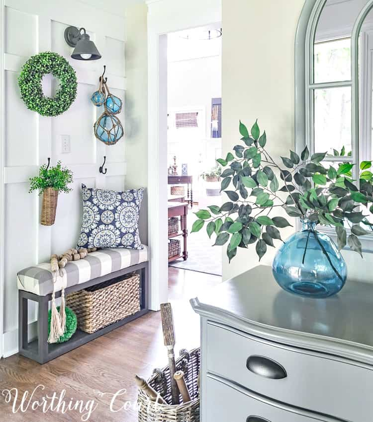 Summer farmhouse foyer decor || Worthing Court