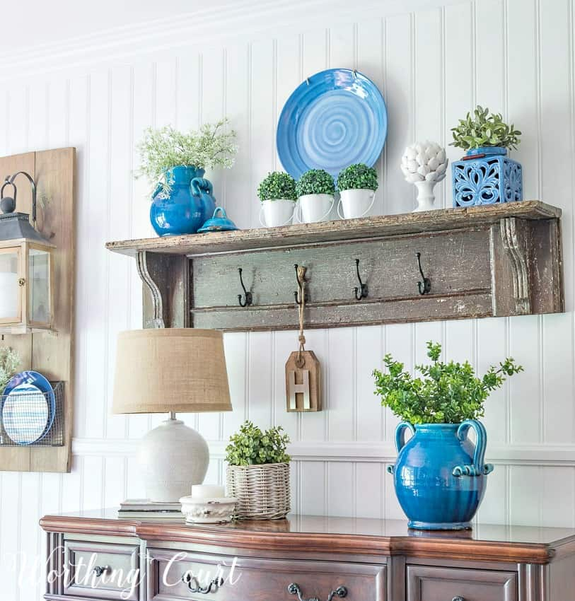 Summer sideboard and vintage shelf vignette #summerdecor #blueandgreen #shelfdecor #decorativeshelves