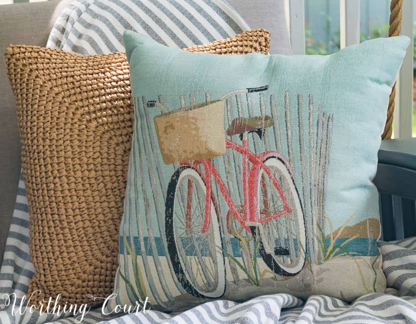 Small Beach Throw Pillows : Look What I Found! And Decorating With Summer Pillows - Worthing Court