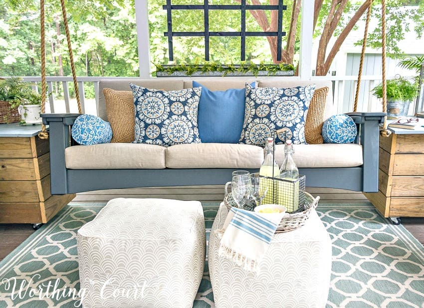 Tips for creating a relaxing oasis on your porch || Worthing Court