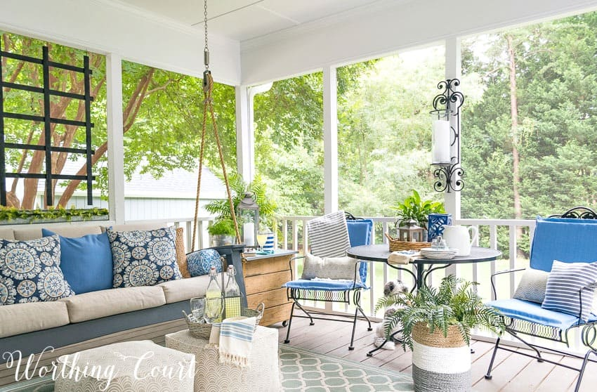 These easy tips will help you create a relaxing oasis on your porch || Worthing Court