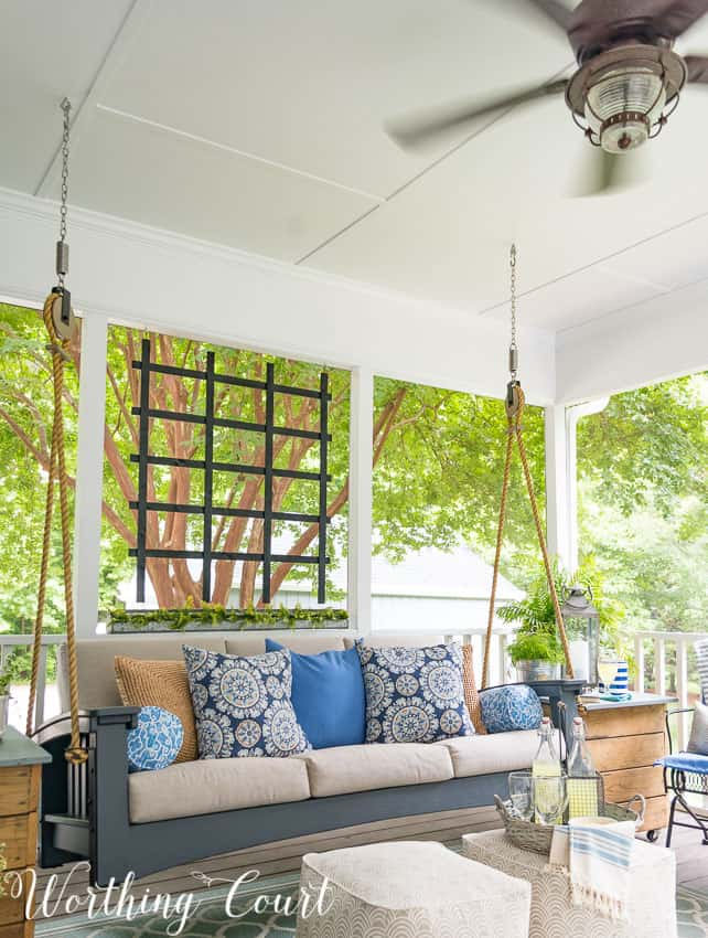 Loads of tips for creating a relaxing oasis for your outdoor porch || Worthing Court