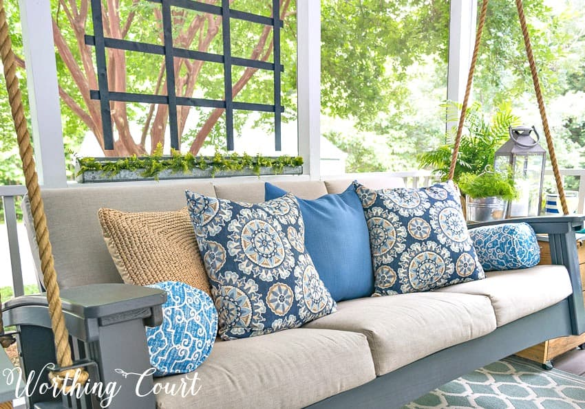 These tips are sure to give your porch the relaxing oasis that you're looking for || Worthing Court