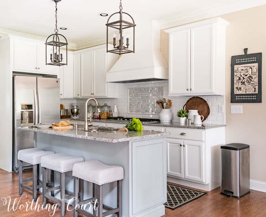Remodeled farmhouse style kitchen in a suburban home || Worthing Court