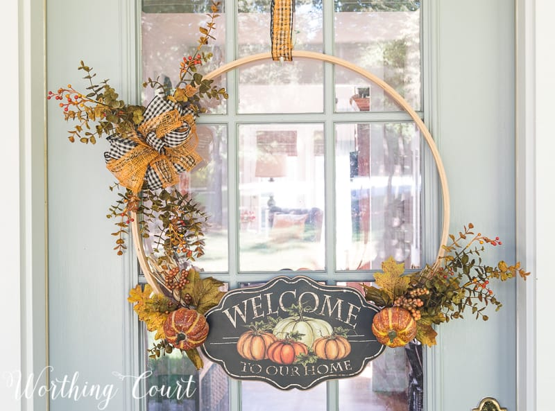 DIY fall embroidery hoop wreath #FallDecor #FallWreath #DIY #FallCraft || Worthing Court