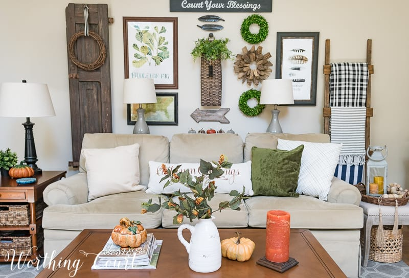 Fall coffee table vignette || Worthing Court #falldecor #coffeetable #vignette