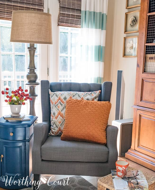 A cozy reading nook with fall touches || Worthing Court