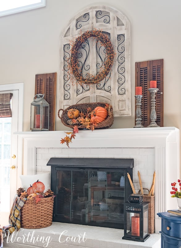 Farmhouse style fireplace with rustic fall decor || Worthing Court #fireplace #falldecor