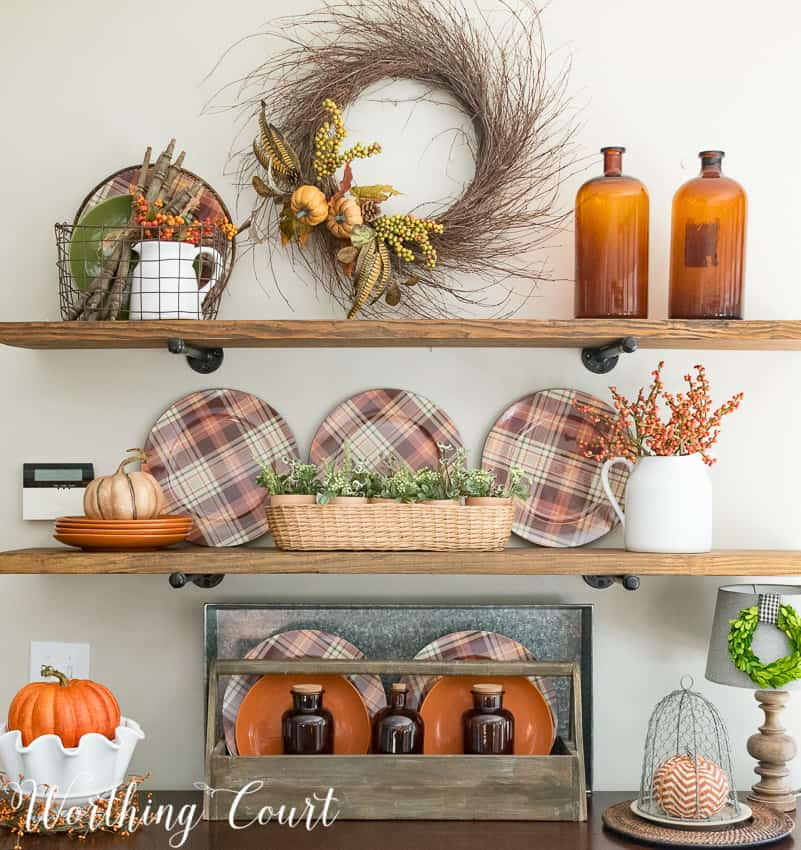 Shelf decorating ideas for fall || Worthing Court #fall #falldecor #autumn
