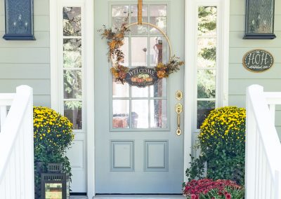 How To Have A Simple But Stunning Front Porch For Fall