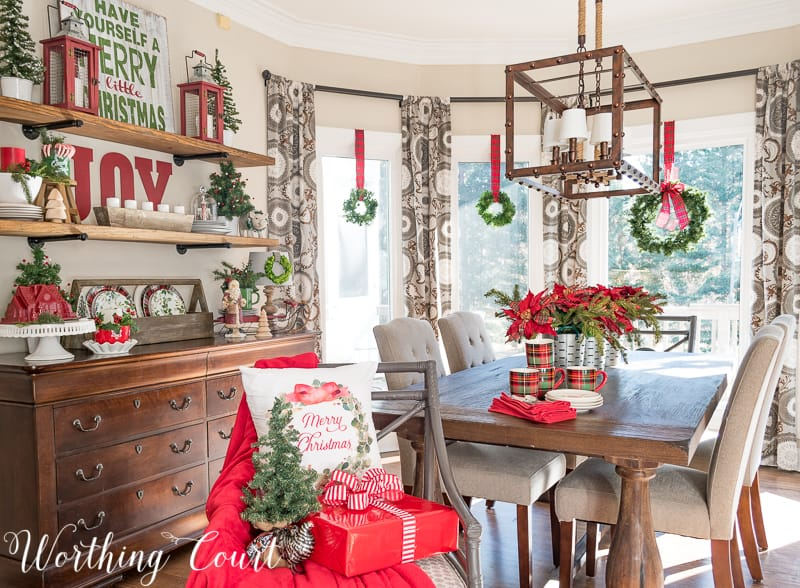 Celebrating A Nostalgic Christmas In My Breakfast Room #christmas #christmaswreath #plaid