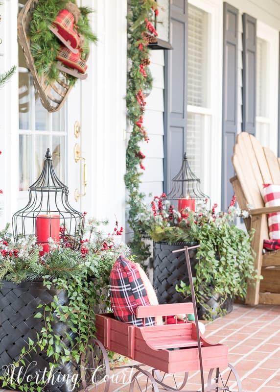 Outdoor Christmas planters #christmas #christmasplanters