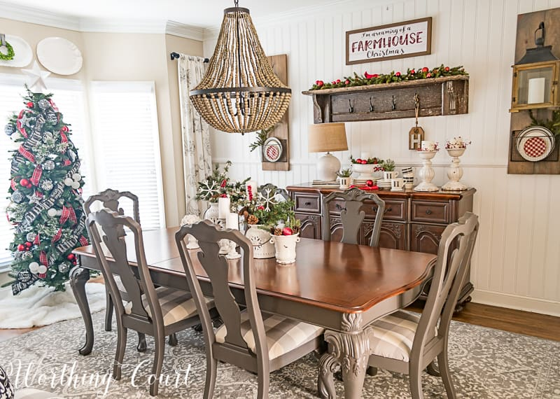 Come Home For Christmas Tour: My Cozy And Inviting Christmas Dining Room #christmasdecor #redblackandwhite