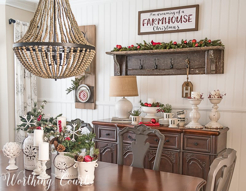 Come Home For Christmas Tour: My Cozy And Inviting Christmas Dining Room #christmasdecor #christmasdiningroom