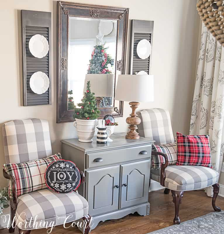 Come Home For Christmas Tour: My Cozy And Inviting Christmas Dining Room