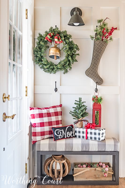 Board and batten wall Christmas decor #christmasdecor #boardandbatten