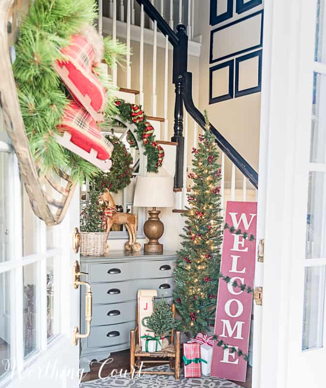 Foyer Christmas decorations #christmasdecor #farmhouse #foyer